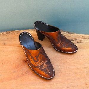 Donald J. Pliner Bozza Metallic Cowboy Mules Sz 5